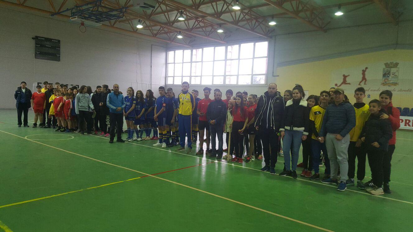 Sportul național al românilor, oina s-a bucurat de mare succes la Năvodari