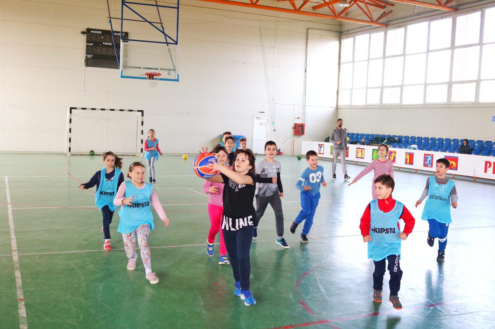 Antrenamente pentru tinerii baschetbaliști de la CS Năvodari