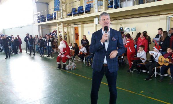 Moș Crăciun a ajuns mai repede la copiii de la CS Năvodari