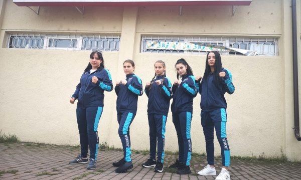 CS Năvodari mizează la Naționalele de box pe cinci tinere pugiliste
