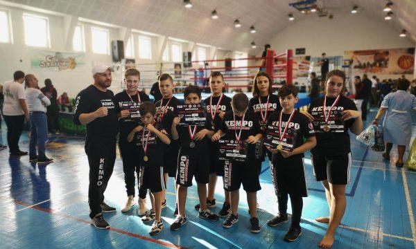 Sportivii de la CS Năvodari au câștigat 15 medalii de aur la Cupa Keru Kento K1